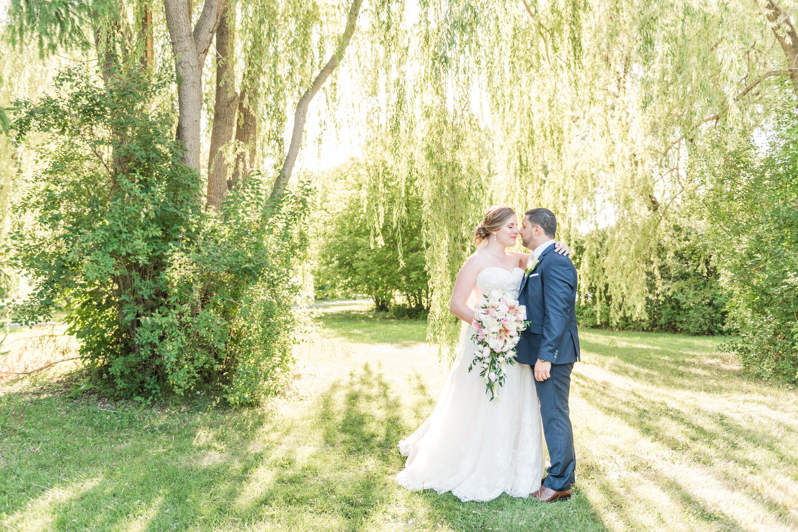 Ottawa wedding photos in willow tress