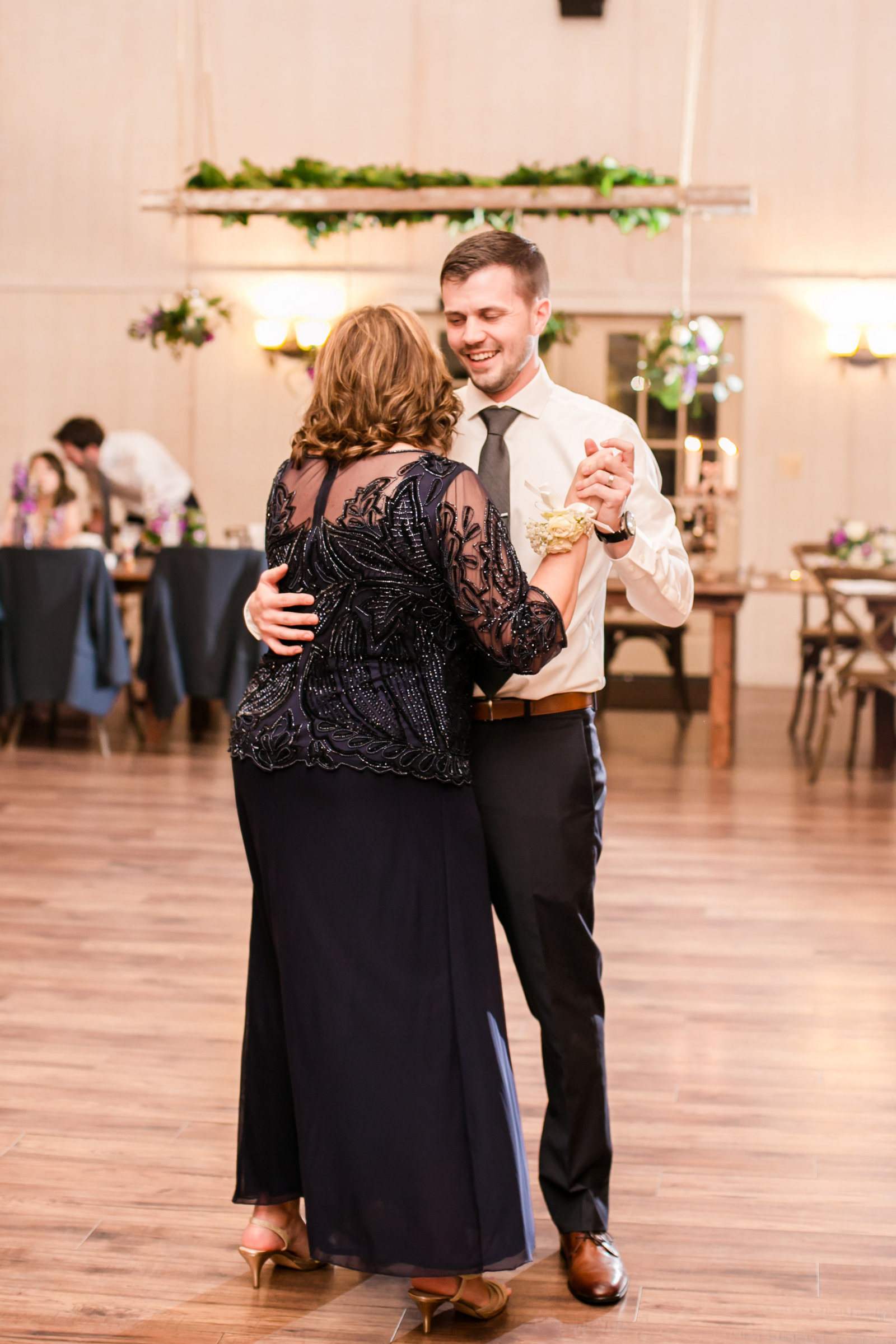 Featured Wedding- Shadow Creek Wedding, Purcellville VA - Ke-0108