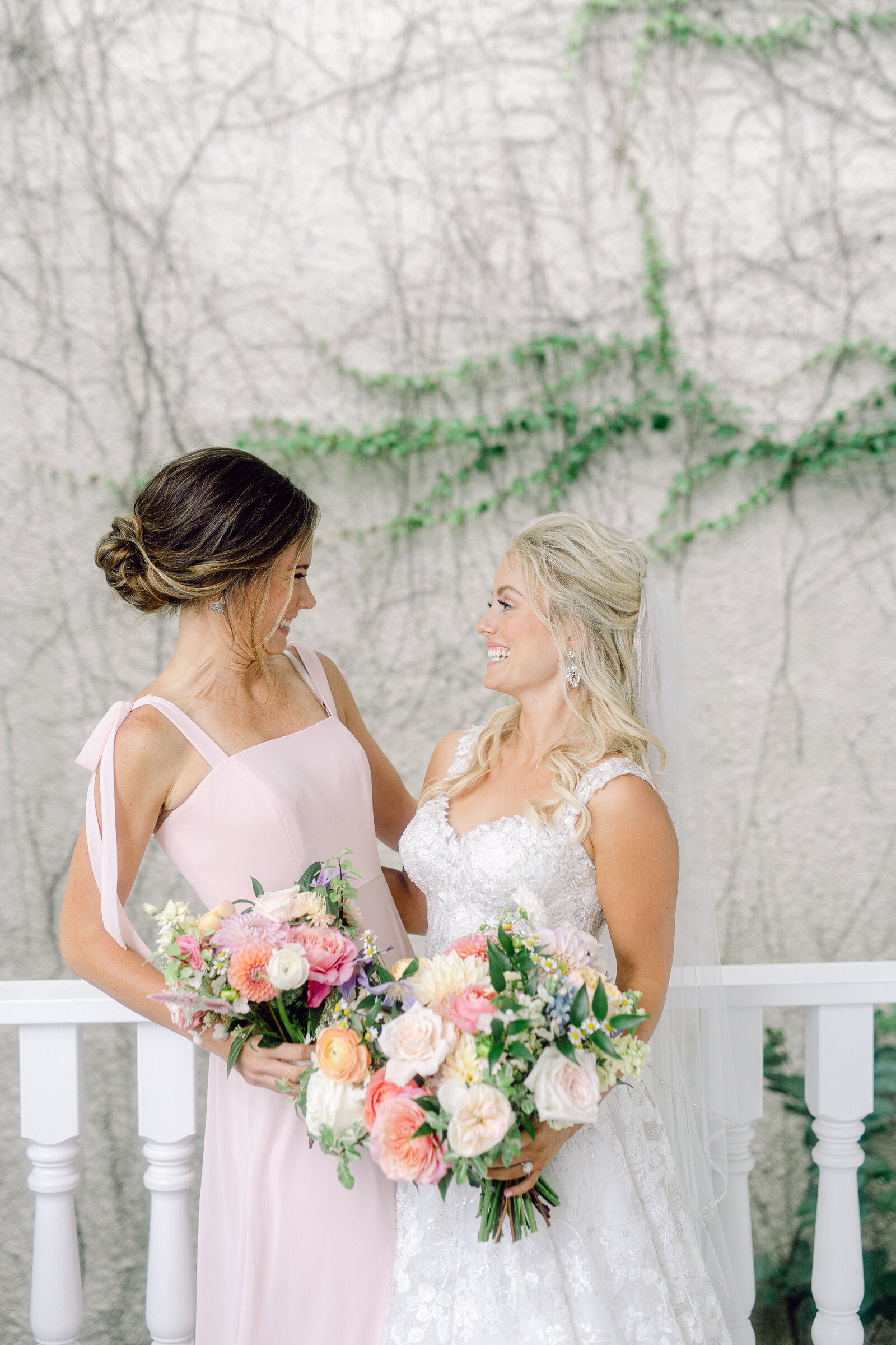 bride_and_bridesmaids_1