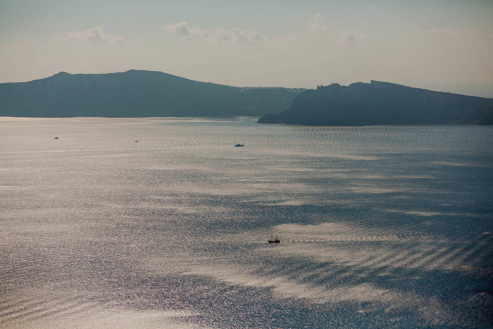 boat-water-volcano-destination-travel-santorini-wedding-kate-timbers-photo-2606