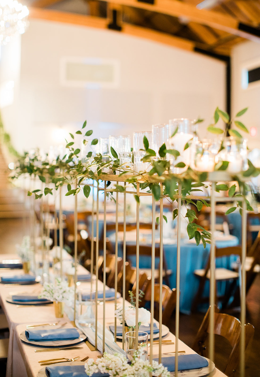 candle-lit-head-table-wedding