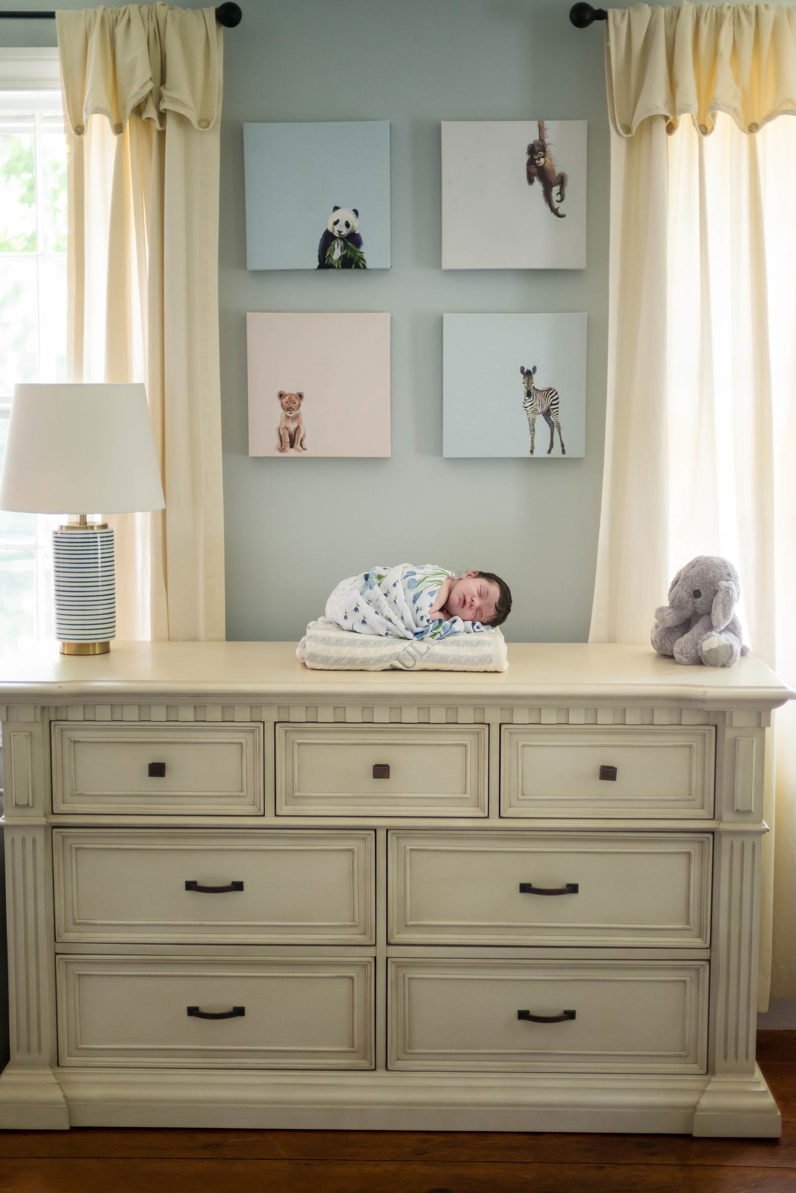 Boston-Newborn-Photographer-Lifestyle-Documentary-Home-Styled-Session-409