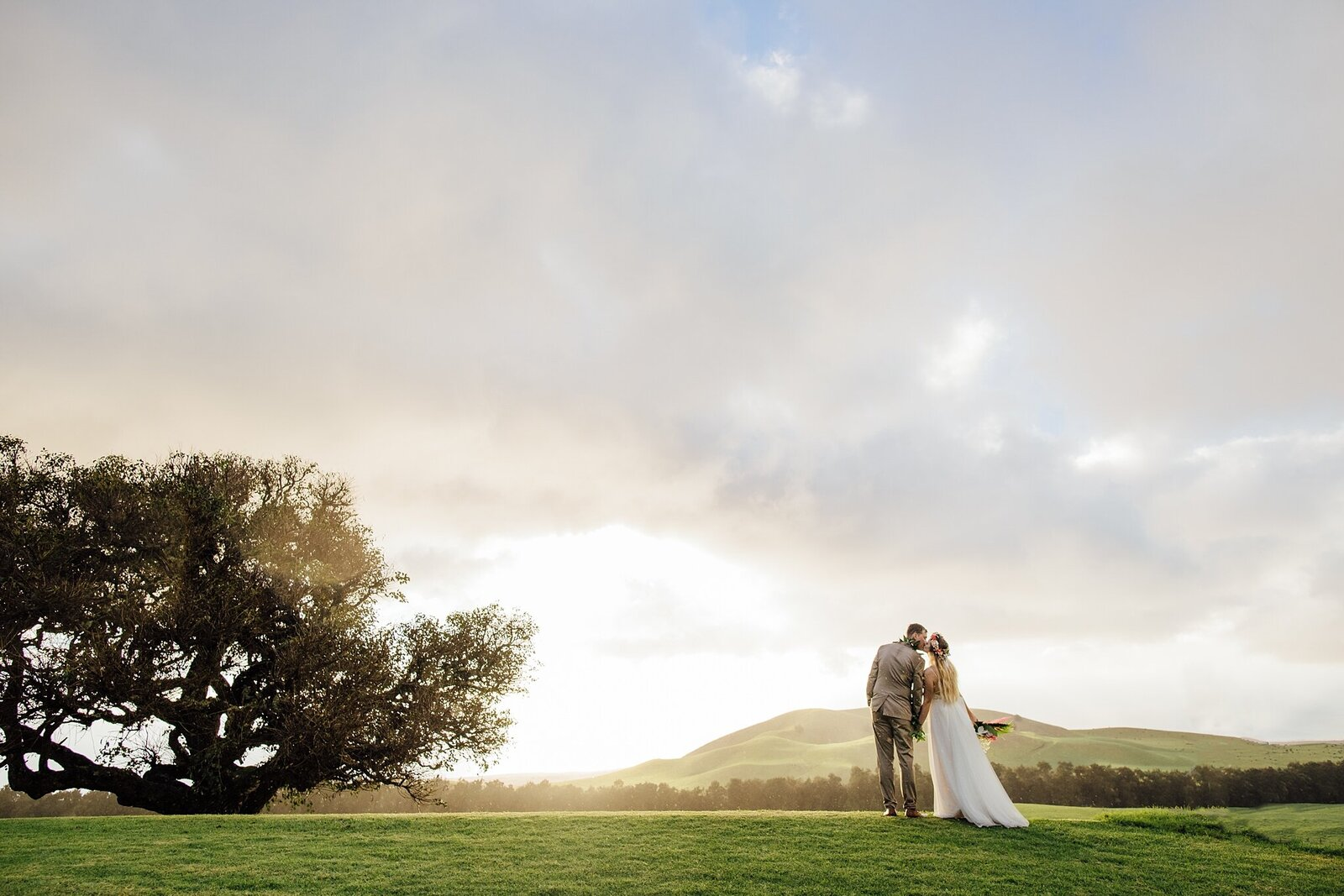 kahua ranch at sunset wedding
