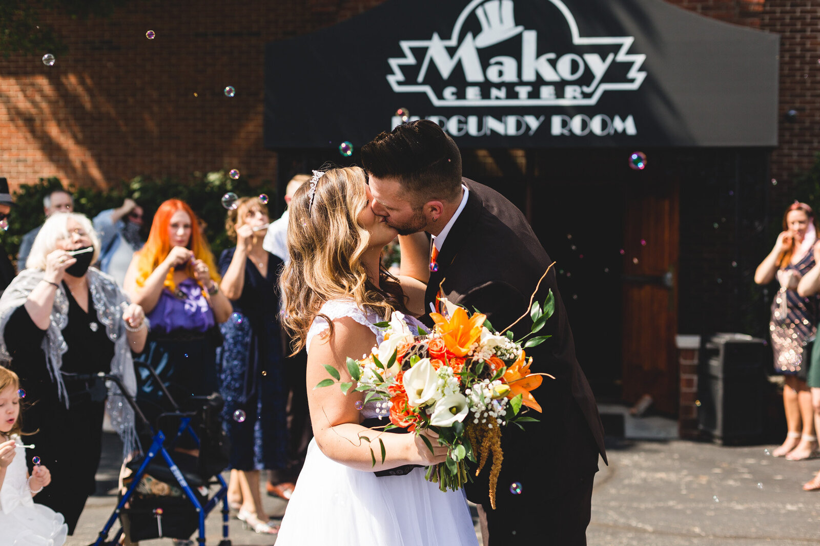bubble send off bride and groom kissing makoy ohio