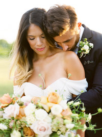 Gracewood Estates Kurtz Orchard Vineyard Winery Niagara on the Lake Sunset Photo Modern Romantic Bride Groom Soft Yellow - Jacqueline James Photography