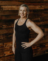 Coach Lisa Tacoma Vie Athletics Strength and Sisterhood Gym in Puyallup, South Hill, Bonney Lake, Washington