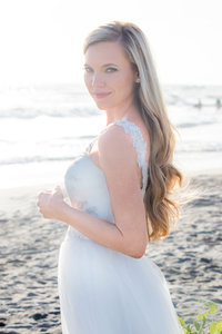 IMG_4363re2 StudioCaroline Romantic Beach Bride Styled Session