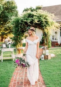 styled shoot at country cottage jessica walking