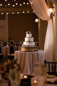 wedding cake at pinehills pavilion