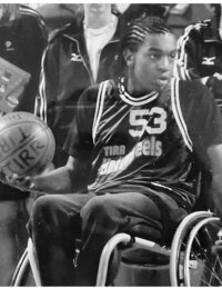 Roland_wheelchair_basketballBW