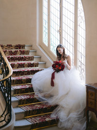 plaza-anthenee-stairs-bride