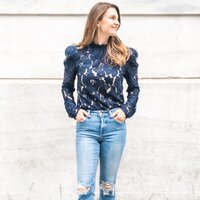 fashion-navy-lace-top-winter