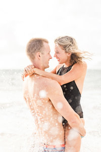 oahu-hawaii-couples-photography-for-anniversaries-and-engagements