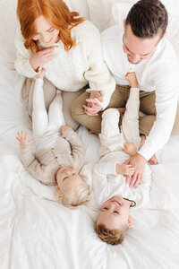 Light-Neutral-Family-Photos-by-San-Luis-Obispo-Portrait-Photographer-Kirsten-Bullard-12