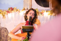 jessica-allossery-house-concert-usa-tour-canada-indie-singer-songwriter-folk-02