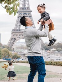 paris-family-eiffel-review