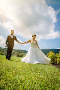 JandDstudio-wedding-gettysburg-brideandgroom-sun-dancing