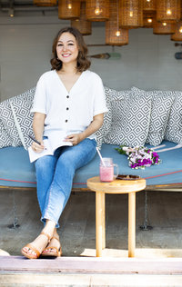 Siobhan Barnes - Hong Kong Life Coach Career Coach - Coffee Shop Image3