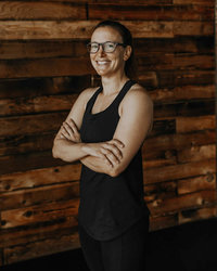 Coach Erin Tacoma Vie Athletics Strength and Sisterhood Gym in Puyallup, South Hill, Bonney Lake, Washington