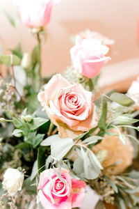 Light and Airy close up of pink roses from a New England Wedding at the Grandview estate