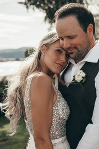 The Cove Wedding in West Kelowna, BC by Kelowna Wedding Photographer Photos by Pala Mikayla