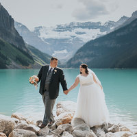 vermilion lakes banff pre-wedding engagement photographer