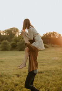 Minneapolis+Boho+Engagement+Photographer-120