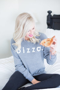 Elizabeth McCravy Showit Brand and Website Designer - Pizza2