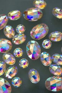 faceted_iridescent_cabs
