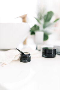 Product-Photographer-.-Alyssa-Joy-&-Co.-Skincare-Photography