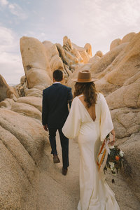 JayneMayAgnes_Joshua_Tree_Elopement_Photographer-021-022