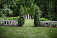 Garden wedding photo of Silverbrook Farm Bed and Breakfast.  Photo by top Northern Virginia wedding photographer Jalapeno Photography.