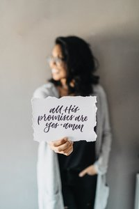 Lifestyle-Brand-Session-Jenny-Written-Handletterer_0031-scaled