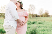 Houston maternity portrait photographed by Alicia Yarrish Photography