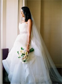 renee_hollingshead_romantic_wedding_at_the_avam_in_baltimore_0021
