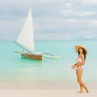 Honeymoon-editorial-The-Brando-island-1