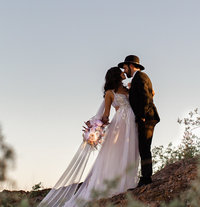 Buttes-Phoenix-Arizona-Wedding-Photographer-Mesa-Disneyland-Epic-Mountaintop-bouquet