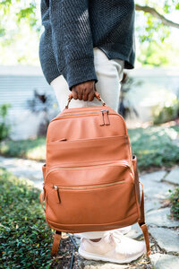 Camel_Social-Squares_Styled-Stock_01066-scaled
