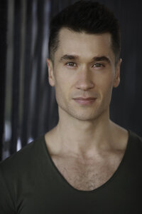 New york city actor Andrew Slane in his nyc headshot photoshoot