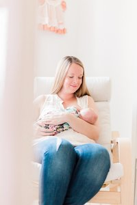 neutral-lifestyle-newborn-session-alicia-yarrish-photography_0009