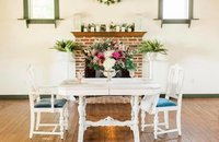 sweetheart table at country cottage