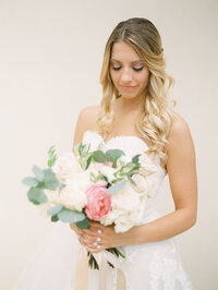 Hudson Valley Wedding Planner Bride + Bouquet
