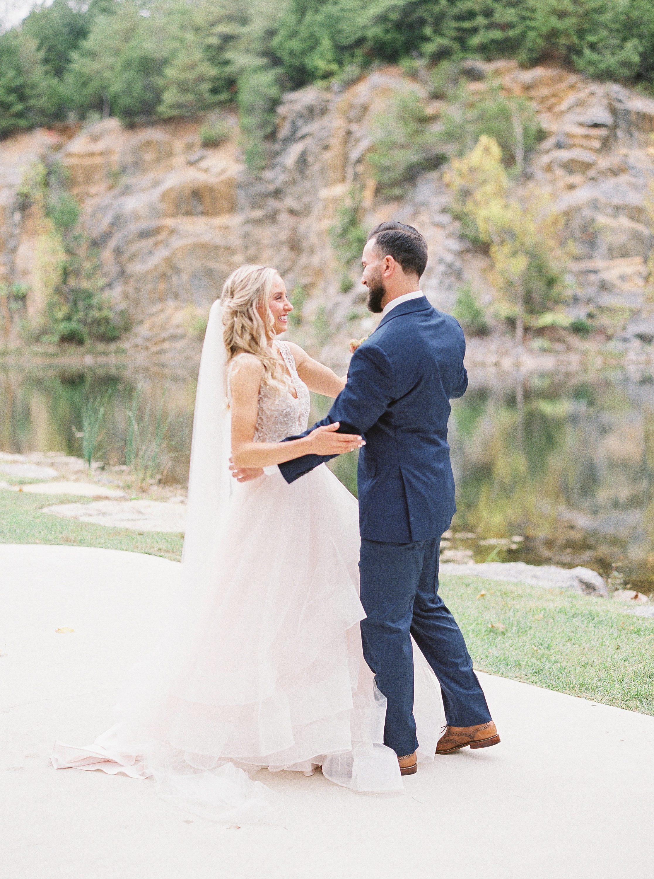 Waterstone Wedding Photographer Johnson City TN Romantic Light Airy Luxury Wedding