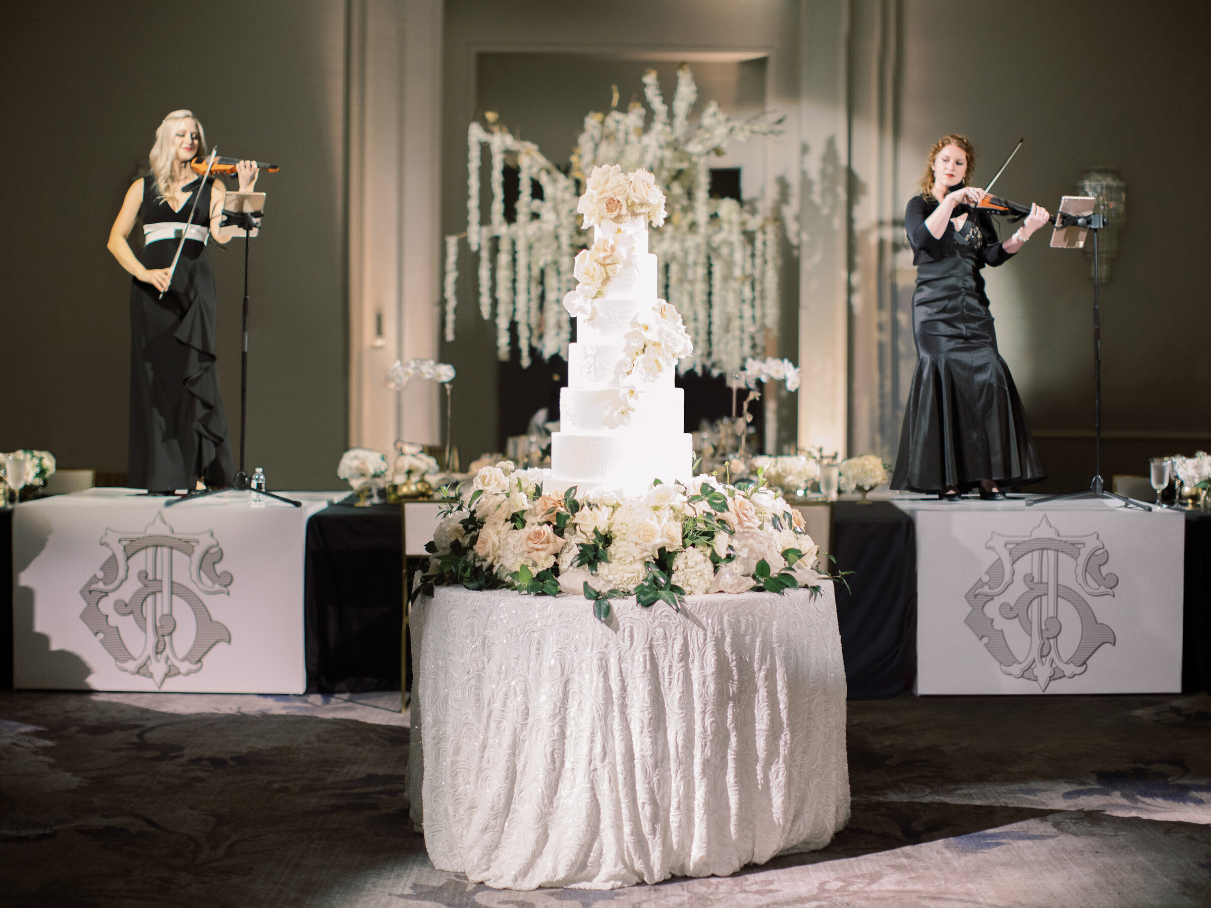 pop parties black and gold wedding ritz carlton dallas stephanie brazzle dallas wedding planner 14