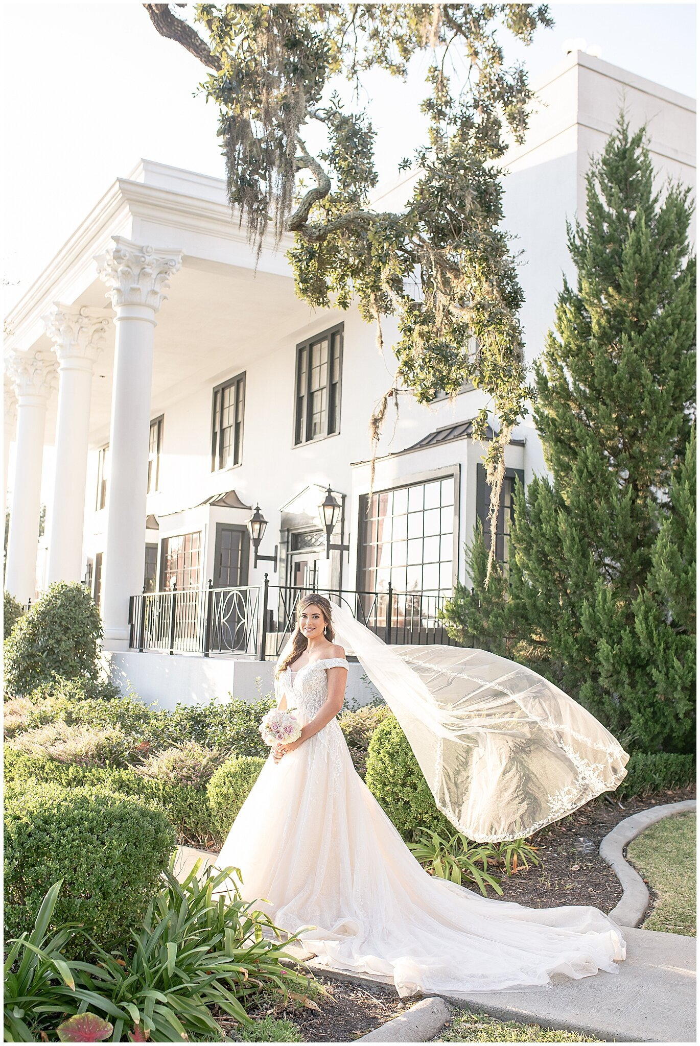 Bridal-Wedding-PortraitsThe-White-House-Hotel-Biloxi1237