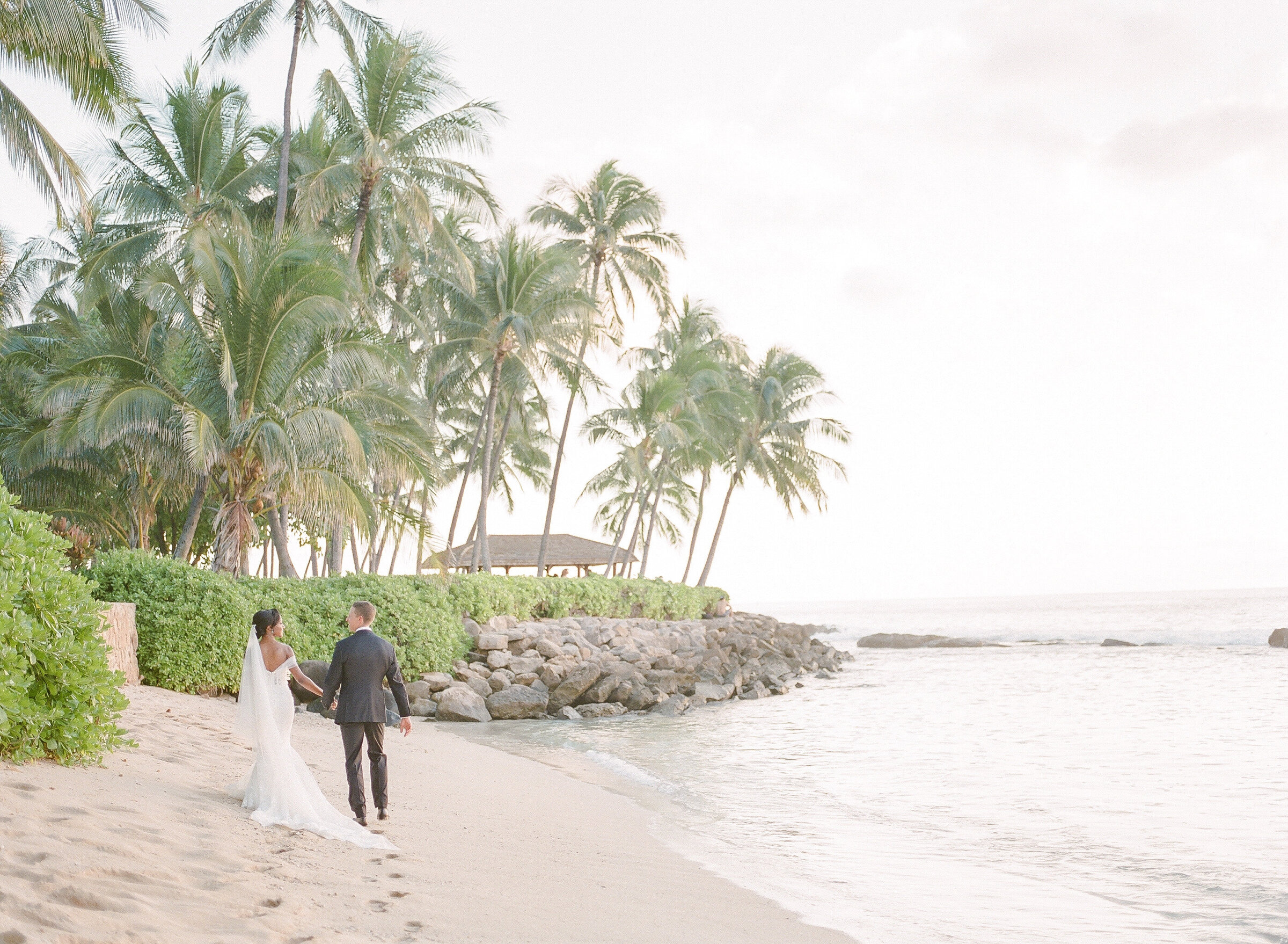 Vanessa and Nathan Wedding - Lanikuhonua - Kerry Jeanne Photography (6)