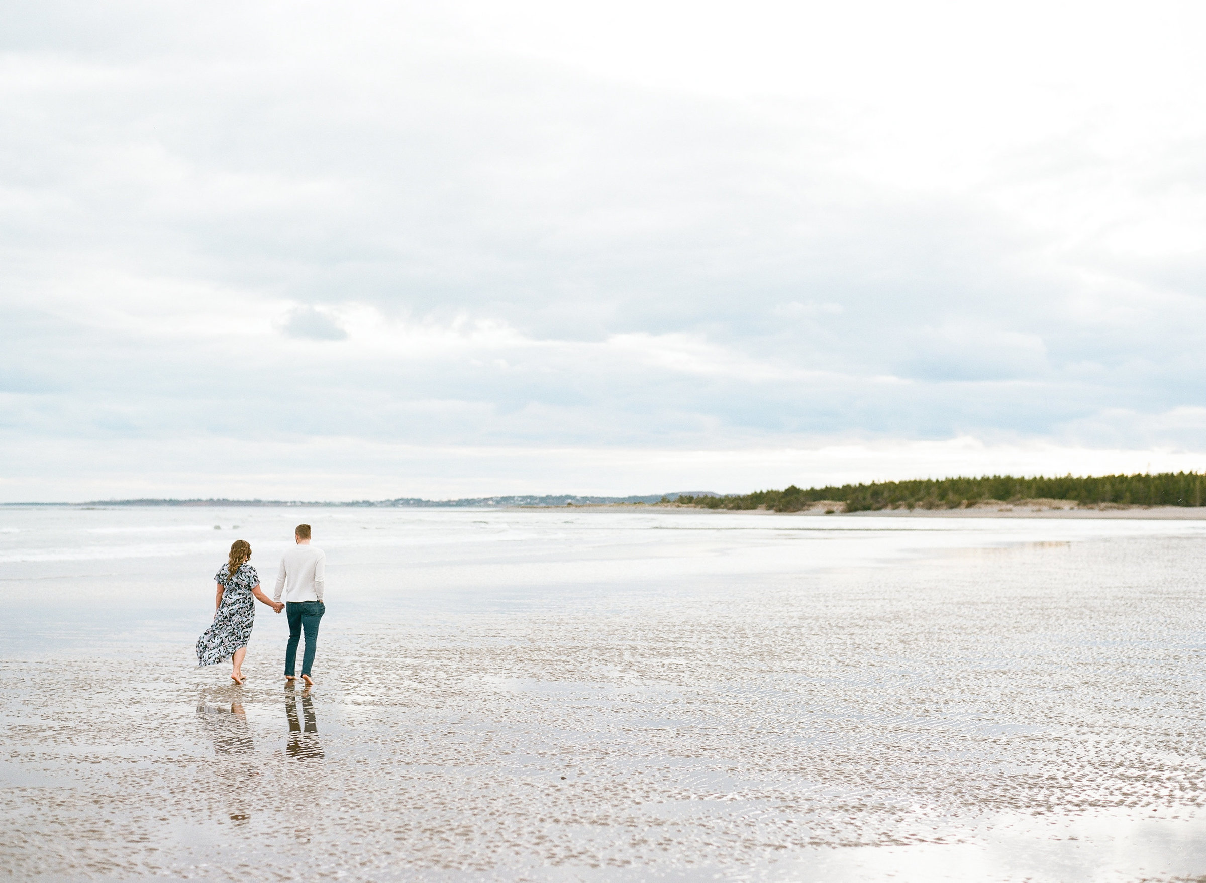 Jacqueline Anne Photography - Akayla and Andrew -, Halifax Wedding Photographer Jacqueline Anne captured on Lawrencetown Beach