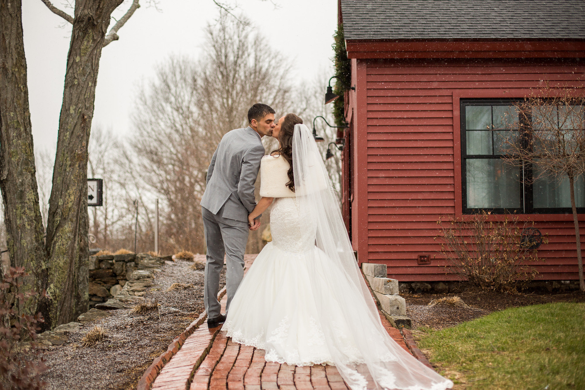 LindseyDerek-0434-lowres-MA-wedding-photographer