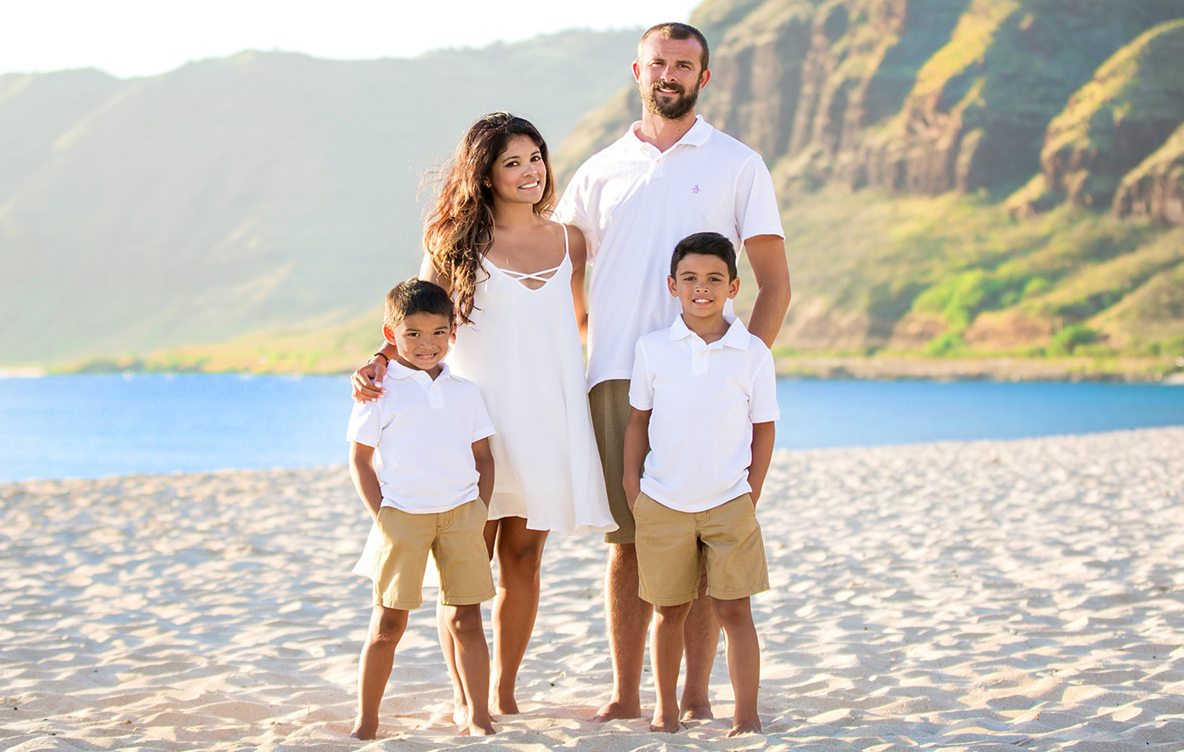 oahu-family-portraits-all-in-white