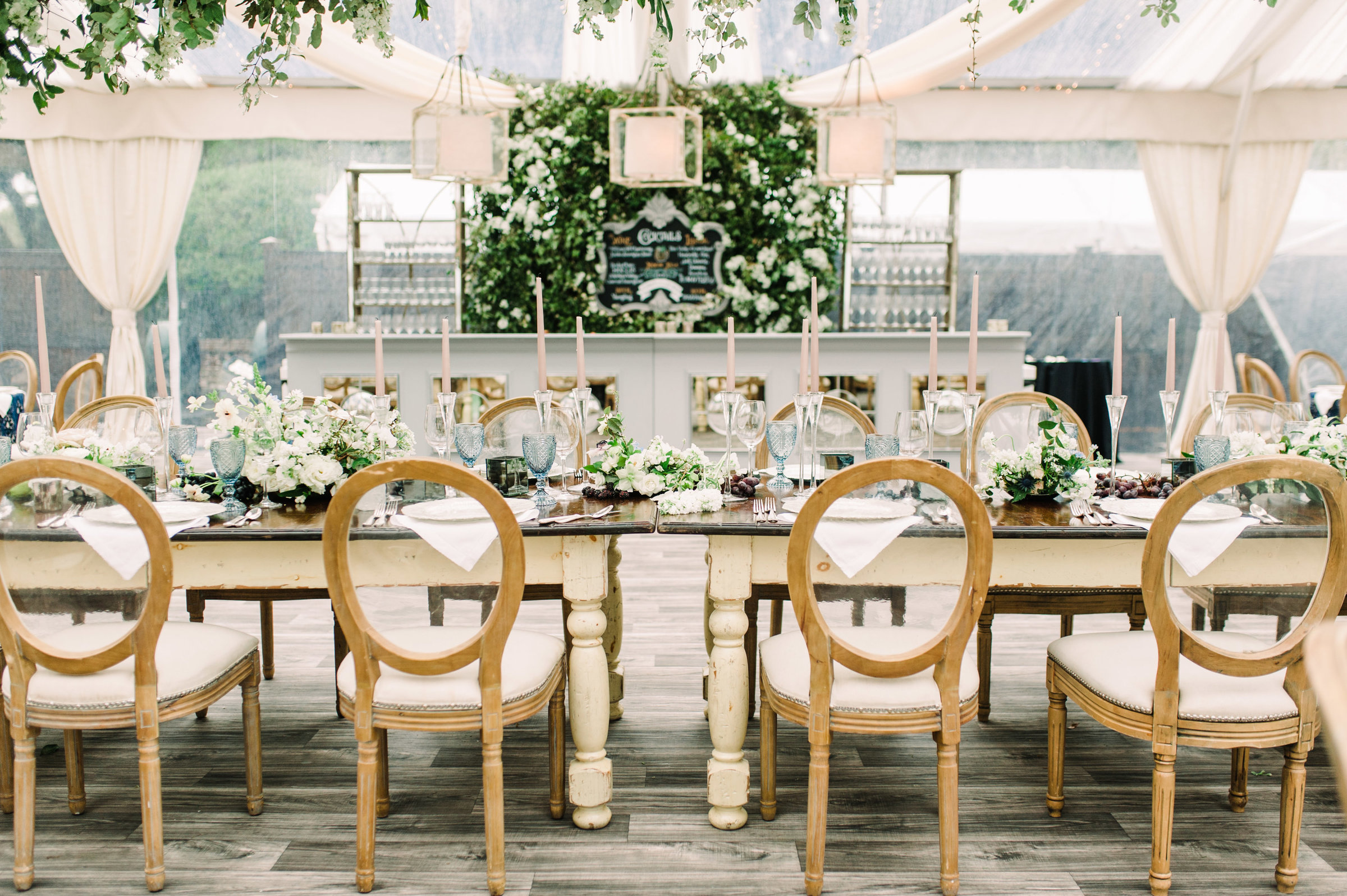 Emily Burton is an internationally known planner, event designer and producer and prop stylist with over 15 years experience. Wedding Planner based in Georgia, United States